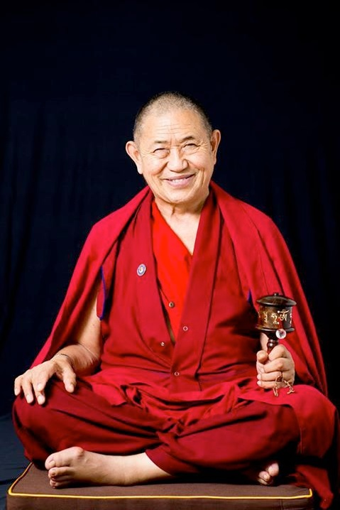 Garchen Rinpoche on the cusion pro